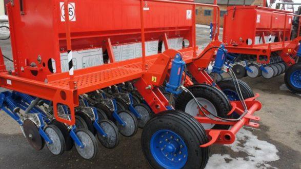 Сеялка зерновая СУБМ-3,6 (посевной агрегат - 3 СУБМ-3,6 и сцепка)